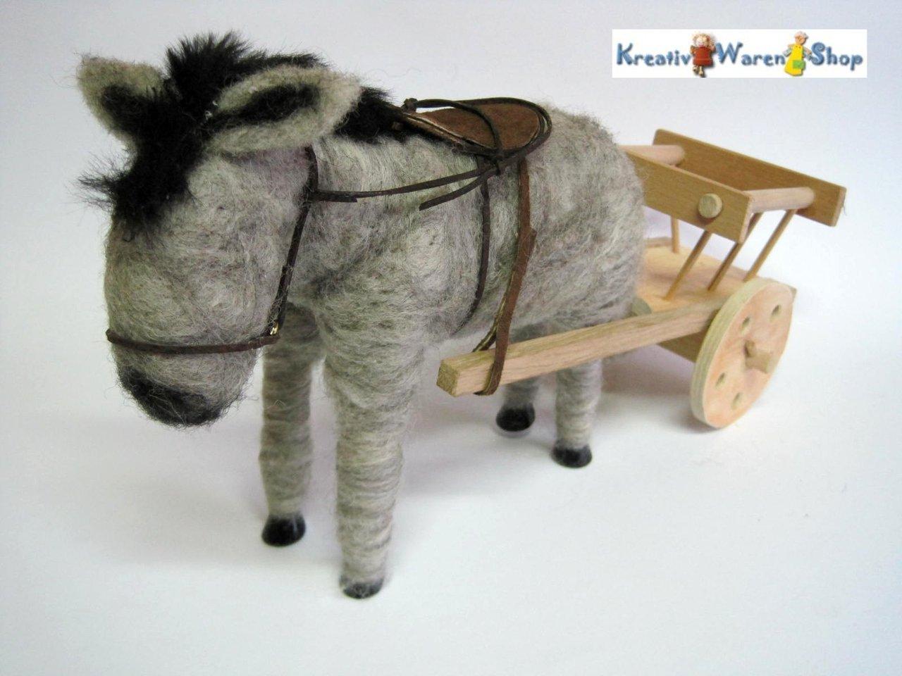 tiere f r erz hlfiguren kaufen esel als zugtier mit karren. Black Bedroom Furniture Sets. Home Design Ideas